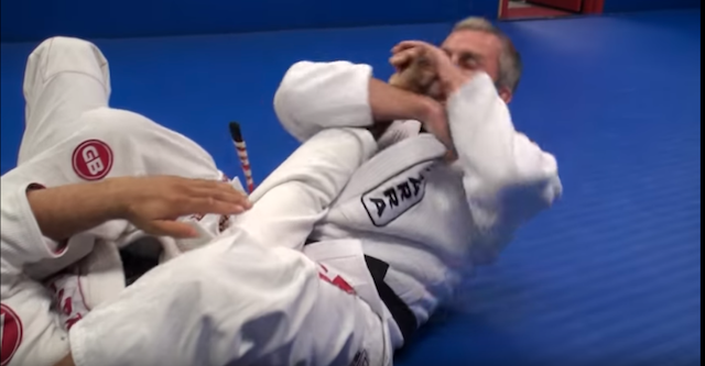 2019-09-15-Armbar-from-mount18 - arm bar